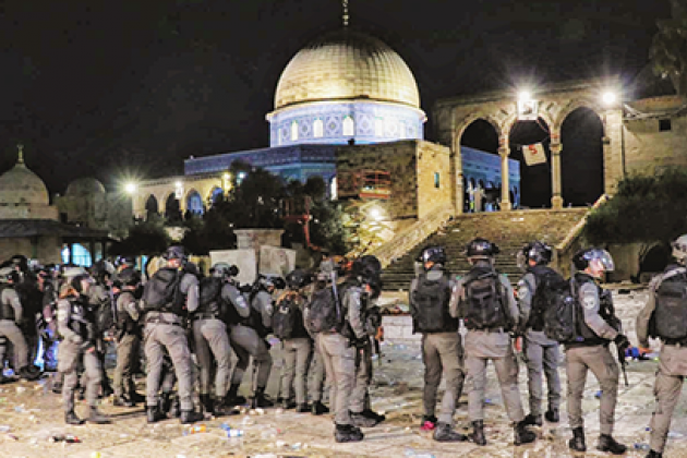 Credit: ActiveStills. Israeli soldiers at al Aqsa.